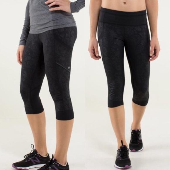 lululemon athletica Pants - ♎️LULULEMON Run For Fun Crop Paisley Emboss Black
